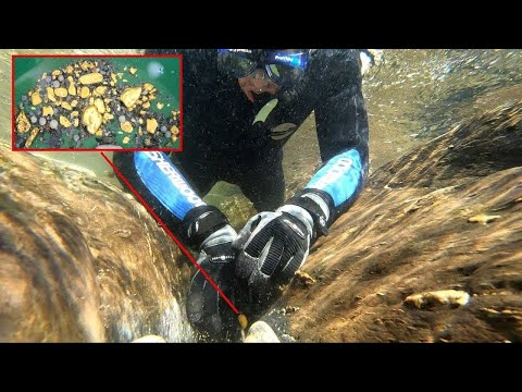 INCREDIBLE GOLD FOUND MINING UNDERWATER!!