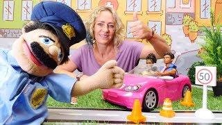Kinder Video auf Deutsch. Nicole hilft bei der Verkehrskontrolle