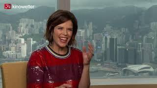 Baixar Interview Neve Campbell SKYSCRAPER
