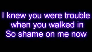 Taylor Swift - I Knew You Were Trouble Letra / Lyrics