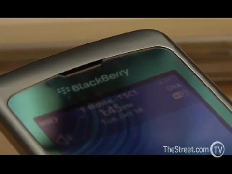 Blackberry Pearl Flip, The Review