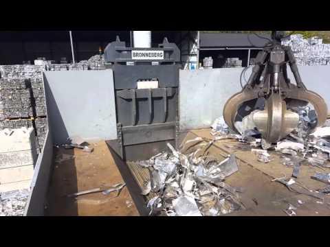Bronneberg Scrap Metal baler / Schrottpresse / Metallpresse / Presses à ferrailles