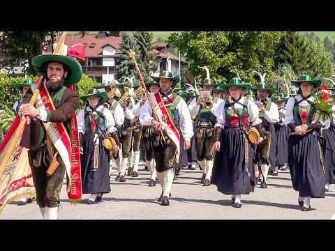Bezirksmusikfest in Toblach 2017 - Festumzug