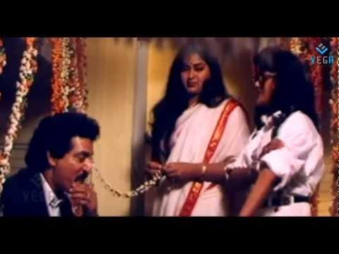 Vasantham Movie : Radha & Nilalgal Ravi Bed Room Scene thumbnail