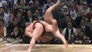 白鵬vs稀勢の里 激しい睨み合い (なぜか万歳三唱 ) 2013/11/23