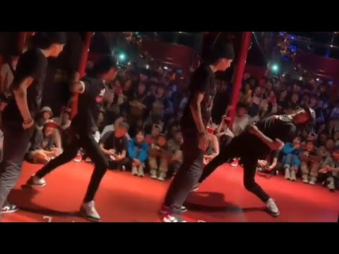Larry [Les Twins] (Clear Audio)   Mark Ronson - Ooh Wee