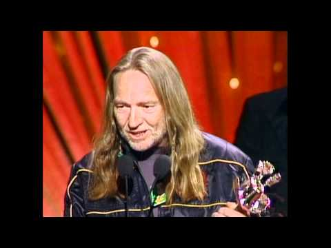 """Willie Nelson Wins Album of the Year For """"Always On My Mind"""" - ACM Awards 1983"""