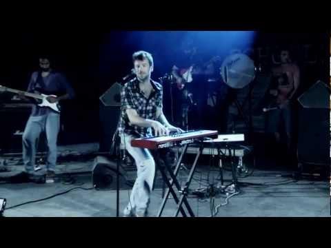 Maraveyas Ilegal - Λόλα LIVE @ SCHOOLWAVE 2012 (HD)
