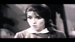 YouTube - فيروز - بيتك يا ستي الختيارة.flv