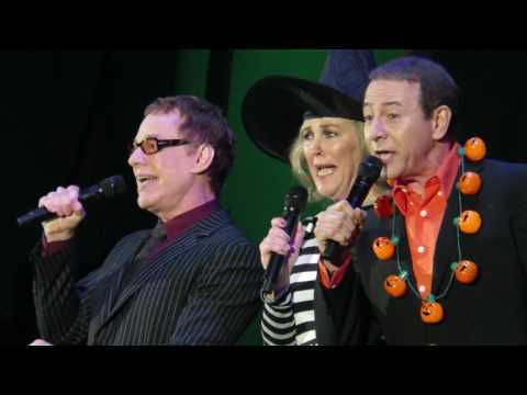Danny Elfman, Catherine O'Hara, & Paul Reubens - Kidnap the Sandy Claws -Live - 10/31/15
