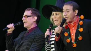 Danny Elfman, Catherine OHara, & Paul Reubens - Kidnap the Sandy Claws -Live - 10/31/15 YouTube Videos