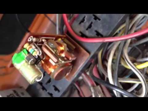 VW Beetle Indicator Relay Flasher - YouTube