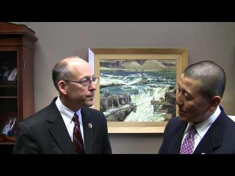 Greg Walden hosts Medford resident Ed Chun as South Korean President addresses Congress