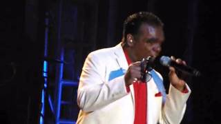 Isley Brothers - Groove With You (Live 2013)