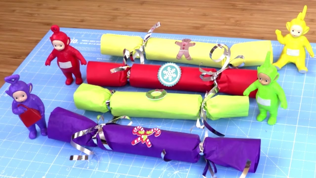 Make your own red green yellow and purple christmas crackers with make your own red green yellow and purple christmas crackers with the teletubbies crafty kids solutioingenieria Gallery