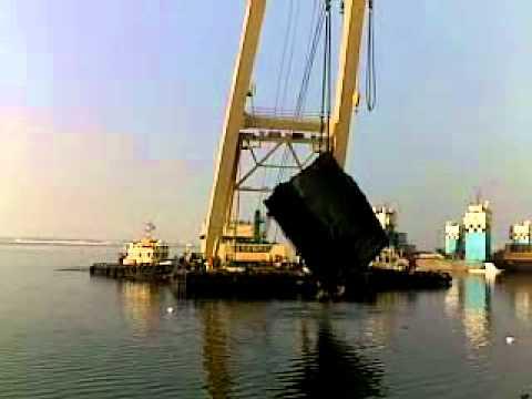 international marine team dock salvage at Adyard Abudhabi