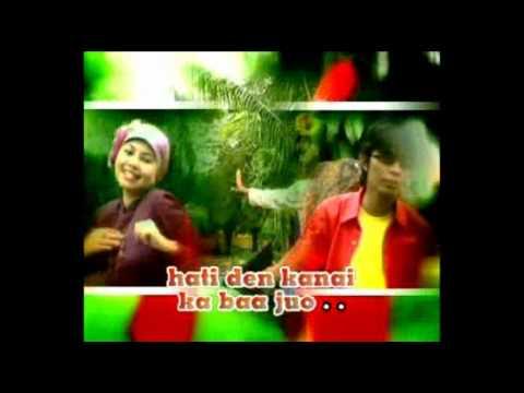 Rambaian Taduang  Boy Sandy  & Fanny Fabiola.flv
