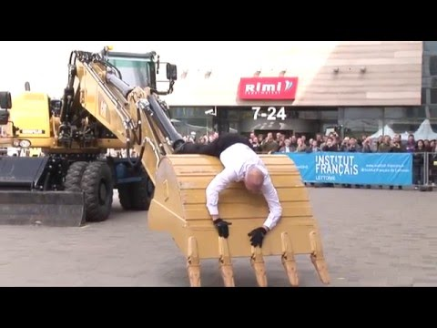 Dance with Cat® excavator (Deja ar Cat M316D - Beau Geste, T