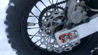 видео колодка тормоза для авто