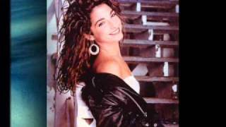 Watch Gloria Estefan Tus Ojos video