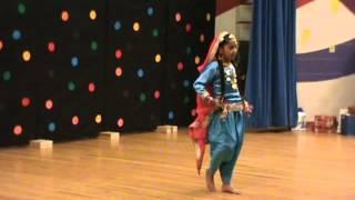 Punjabi Girl Bhangra/Giddha