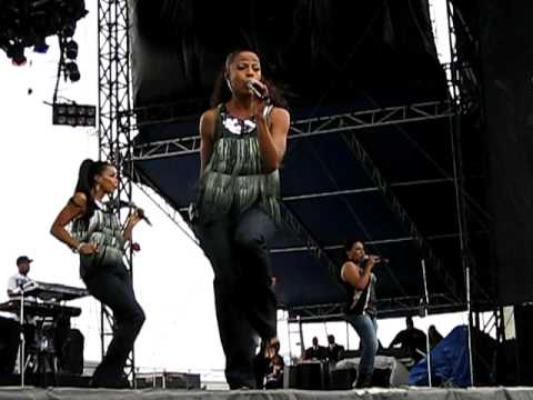 """En Vogue """"Oh Boy"""" from Soulflower at the Dallas State Fair 2009"""