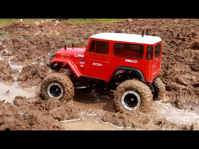 Toyota Land Cruiser Rc Car Off Road in Water