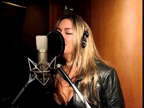 Andrea Thompson sings Nobody Does It Better - 007 The Spy Who Loved Me 007 film soundtrack 007