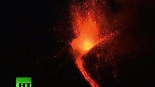 Mt Etna eruption LIVE  Lava spewing from Europe's highest & most active volcano
