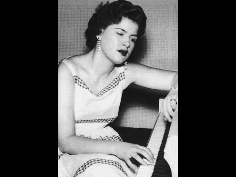1707 Patsy Cline - A Poor Man's Roses (Or A Rich Man's Gold)