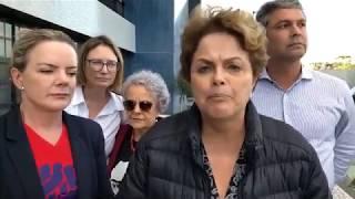 Dilma Rousseff, Gleisi Hoffmann, Lindbergh Farias visitar Acampamento Lula Livre em Curitiba