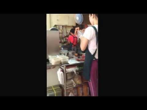 Making delicious food at Taiwan shop