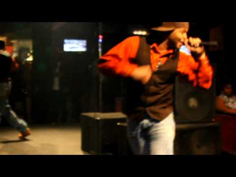 H.U.N.I.D. Grand raps live at the Chit Chat Lounge (Vol 3-1)