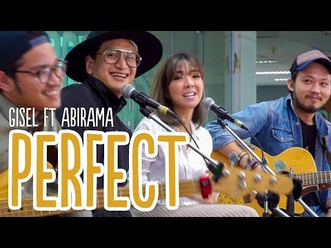 Gisel ft Abirama - Perfect Cover at Main Stage Detikcom