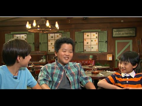 Download 'Fresh Off the Boat' | Behind The Scenes