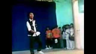 văn nghê Trường ngô quyền đà nẵng (thông 11/10 năm 2009 hip hop tuổi 18)