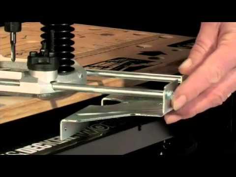 Fresatrice black and decker kw900e 1200w router youtube - Taglio top cucina ...