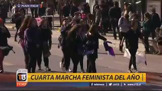 Marcha feminista avanza por la Alameda