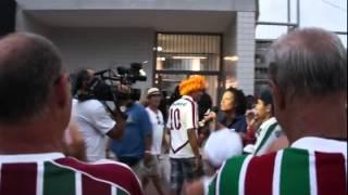 Бразилия (Рио) - Футбол - Толпа и журналистка