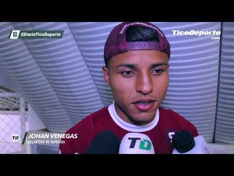 Johan Venegas explicó por qué le regaló la camiseta a un niño en silla de ruedas al final del juego