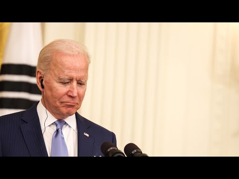 Biden 'mumbles incoherently' in latest awkward blunder