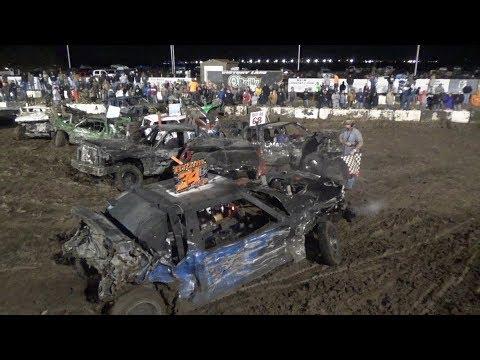 Demolition Derby (Crashtoberfest ll) Salina Speedway Salina, KS 10-14-17 *Mods*