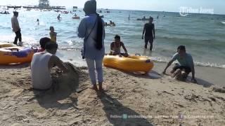 Download Video VIDEO Indahnya Pasir Putih Pantai Bandengan Jepara Jateng MP3 3GP MP4