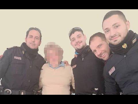 Anziana sola a Natale chiama il 113: 4 agenti vanno a farle compagnia a casa