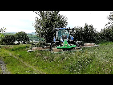 New Holland T7.260 & John Deere Triples Mowing Silage [2019]