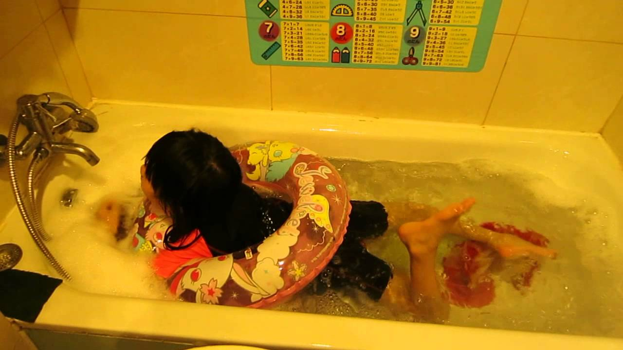 130803 1 Swimming In Bathtub YouTube