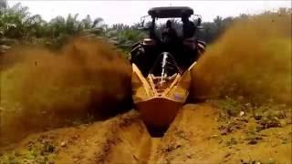 Tractor Same Explorer 115 con Zanjadora