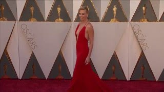Oscars: Charlize Theron Red Carpet (2016)