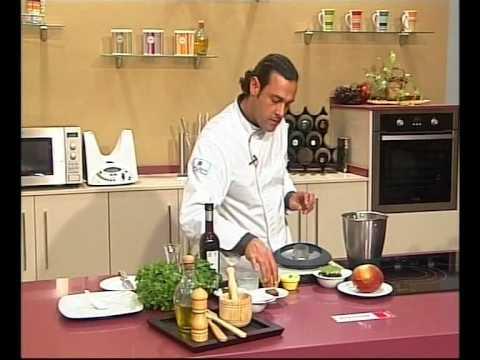 09 -  5 TENEDORES, Bombones de foie y Sopa de queso de cabra, anchoa y membrillo.