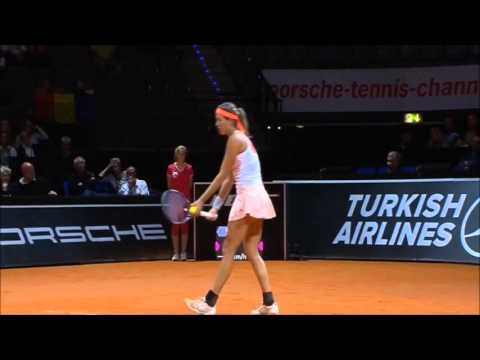 Simona Halep vs Garbine Muguruza - STUTTGART 2015 Highlights